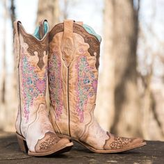 Pink Boots {swoon} http://www.countryoutfitter.com/style/pretty-pink/?lhb=style