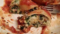 Italian sausage stuffed pasta shells recipe - Pasta like recipes Sausage Recipes, Pasta Recipes, Diet Recipes, Vegetarian Recipes, Cooking Recipes, Diet Meals, Appetizer Recipes, Stuffed Shells Recipe, Stuffed Pasta Shells