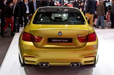 2015 BMW M4 Coupe Exterior Back View Wallpaper