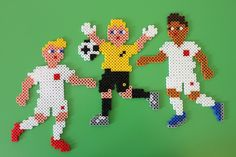 Make your own England footballers during the Euros 2016 with this Hama Beads Football set!