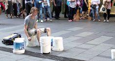 O Melhor Baterista De Rua… Imperdível!!!