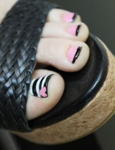 55 simple nail art designs for short nails: 2016 pretty toes Get Nails, Fancy Nails, How To Do Nails, Hair And Nails, Simple Nail Art Designs, Toe Nail Designs, Nail Polish Designs, French Pedicure Designs, Floral Designs