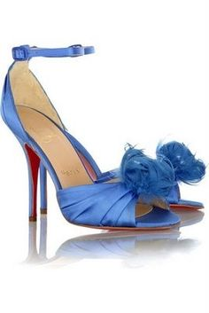 im totally wearing blue shoes :)