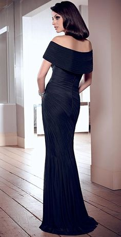 Alternate view of the VM Collection 70826 Off the Shoulder Gown image