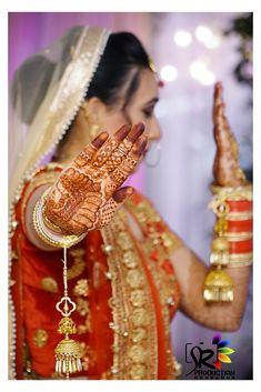 "Photo from SR Production ""Wedding photography"" album Indian Bridal Photos, Indian Wedding Pictures, Indian Wedding Poses, Mehendi Photography, Indian Wedding Couple Photography, Bride Photography, Photography Ideas, Wedding Stills, Wedding Photoshoot"