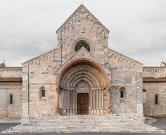 Basílica Catedral de San Ciriaco, Ancona -- forma es vacío, vacío es forma: Markus Brunetti - fotografía, monumentos