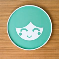 Our best selling melamine tray perfect for serving snacks and robust enough for the children. 30cm diameter Melamine with white PVC edging. Clickherefor ship £25