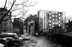 1972 - Belleville démoli - Paris Unplugged Paris 1900, Old Paris, Menilmontant Paris, France, Paris Photos, Travel, Construction, Amazing, Paris Black And White