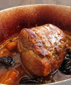 tip for my roast pork to remain tender, it is a pre-cooking in . - viandes -My tip for my roast pork to remain tender, it is a pre-cooking in . Pork Recipes, Seafood Recipes, Dinner Recipes, Cooking Recipes, Healthy Breakfast Potatoes, Chefs, My Best Recipe, Pork Roast, Bbq Pork