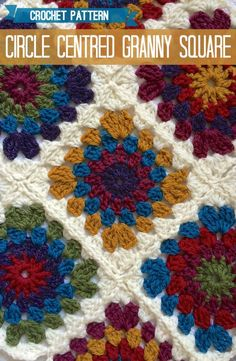 Crochet this classic granny square with a circle centre, using this free pattern. *༺✿ƬⱤღ http://www.pinterest.com/teretegui/✿༻*