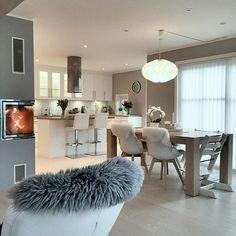 WEBSTA @ myhouseinterior - Kos med fyr i peisen✨ Ha en finfin onsdag folkens #interior123 #finehjem #interior4you1 #interior4all #interiorstyled #classyinteriors #interior125 #livingroom #fireplace #peis #kitchen