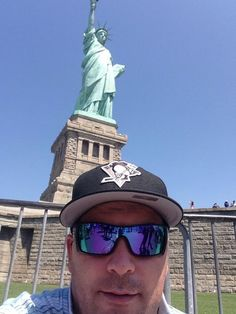 Fans show their Pens Pride all over the country! This fan took a Pens-themed selfie with the Statue of Liberty! Photo courtesy of @Iceboyjason on Twitter.