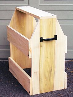 This saddle stand goes together quickly and uses few tools. Photos by Michelle Anderson.