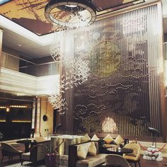 绿缘阁精品酒店大厅 Loyal Golden Hotel Lobby. Fantastic design. #interiordesign #interior #instalike #design #hotellobby #putuoshan #china #zhejiang #travel by eu171ce