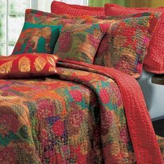 Tropical Red Floral Cotton Reversible 5 piece Bedding Quilt and Shams Set Twin - Full/Queen - King Size