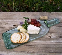 Handmade Christmas Gift Ideas For Everyone On Your List | Melted Wine Bottle Cheese Platter