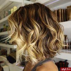 Short Hair Ecaille | Blond Rozpuszczone Kręcone Na co dzień Średnie Fryzury