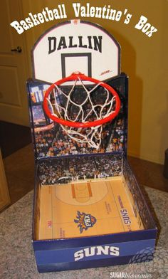 This basketball themed Valentine& box is so easy to make! It& even easier than the Minecraft box we made a couple years ago. Basketball Valentine Boxes, Valentine Boxes For School, Kinder Valentines, Valentines For Boys, Homemade Valentines, Valentines Day Party, Valentine Day Crafts, Printable Valentine, Valentine Wreath