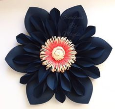 New flowers paper backdrop blue ideas Paper Flowers Craft, Large Paper Flowers, Crepe Paper Flowers, Giant Paper Flowers, Big Flowers, Flower Crafts, Fabric Flowers, Costume Fleur, Coral Wedding Flowers