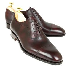 Mallorca Handmade shoes for men and women. Specialists in oxford shoes, cordovan shoes and loafers. Leather style and quality for your shoes. París, Madrid, Singapore, Barcelona, New York and Palma de Mallorca.