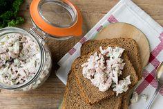 Hamsalade Tapenade, Summer Recipes, Crackers, Hummus, French Toast, Avocado, Snacks, Lunch, Bread