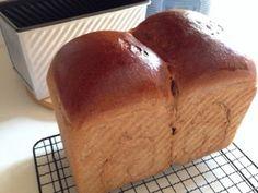 My Mind Patch: Hokkaido Mocha Milk Loaf 北海道摩卡牛奶吐司 Japanese Milk Bread, Coffee Bread, Bread Rolls, Dinner Rolls, Mocha, Baking, Powder, Food, Hokkaido