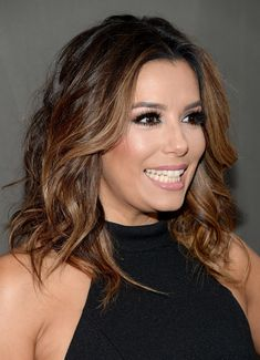Eva Longoria Medium Wavy Cut - Eva Longoria rocked mussed-up waves at the premiere of 'Devious Maids' season 4.