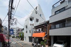 Gallery of Kitasenzoku Apartment / Tomoyuki Kurokawa Architects - 8