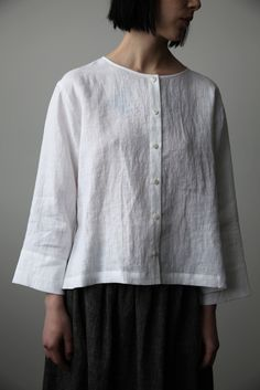 Discover thousands of images about White Linen Shirt White Linen Shirt, Linen Blouse, White Shirts, Linen Shirts, Linen Shirt Dress, Linen Tunic, Nyc Fashion, Hijab Fashion, Fashion Styles