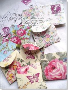 sobres con papeles lindos