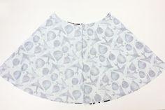 Střih ZDARMA - dámská sukně (+ jak ušít sukni do gumy) - Prošikulky.cz Polka Dot Top, Sewing, Blouse, Skirts, Fashion, Moda, Dressmaking, Couture, Skirt