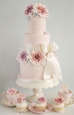 Why did we pin this one? Because it's pretty, pastel and perfect!