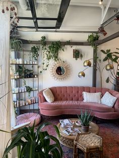 7 Stylish new ways to decorate with pink - Daily Dream Decor Source by nebulo. - 7 Stylish new ways to decorate with pink – Daily Dream Decor Source by nebuloes styles interior Dream Home Design, Home Interior Design, Room Interior, Bohemian Interior Design, Interior Lighting, Living Room Decor, Bedroom Decor, Living Area, Dining Room