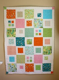 'Happier' crib quilt by Cute Quilts, Easy Quilts, Sewing Crafts, Sewing Projects, Sewing Tutorials, Fabric Crafts, Sewing Ideas, Homemade Quilts, Amish Quilts