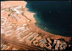 Minhas fotos do Mar Vermelho-Egito... Aguas azuis, golfinhos, corais e... camelos! - Vista da resort de Sharm-el-Sheikh e seus grandes hoteis.