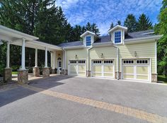 Google Image Result for http://priceypads.com/wp-content/uploads/2010/11/048-Garage-and-Guest-House.jpg walkway