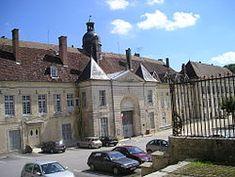 Kloster von Clairvaux, heute Strafanstalt.jpg