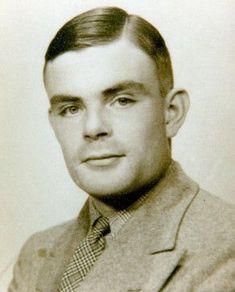 Alan Turing, contribuyo para que la Segunda Guerra Mundial finalizase al menos dos años antes  Padre de la programación informática, héroe de una nación -desencriptó los códigos de la famosa máquina ENIGMA, etc...