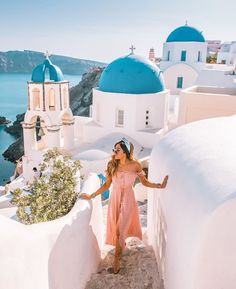 Wandering around Oia in my favourite sandals, two summers later and they're still going strong! Top Honeymoon Destinations, Greece Destinations, Greece Honeymoon, Travel Destinations, Greece Outfit, Santorini Greece, Mykonos, Corfu Greece, Italy Holidays