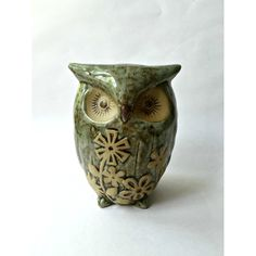 Ceramic Owl Figure with Flower Pattern. Big Eyed Bird! ($15) ❤ liked on Polyvore featuring home, home decor, ceramic home decor, owl home accessories, owl figure, bird home decor and floral home decor