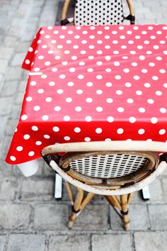 Street Cafe table cloth