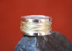 zilveren ring met gouddraad Wedding Rings, Engagement Rings, Jewellery, Silver, Inspiration, Rings, Accessories, Schmuck, Enagement Rings