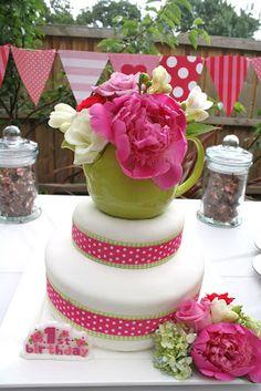Tied with a Bouw: Allegra's Garden Tea Party!