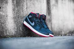 "Air Jordan 1 Mid ""Black, Cool Grey & Gym Red"""