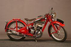 Gallery for jawa 250 - image Motos Vintage, Vintage Bikes, Vintage Motorcycles, Cars And Motorcycles, Vintage Cars, Moto Jawa, Moped Scooter, American Motorcycles, Old Bikes