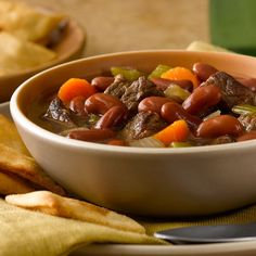 The classic combination of beef and onions gets a delicious update with fresh carrots, celery and BUSH'S® Kidney Beans. Let it simmer in your slow-cooker for a few hours and enjoy a hearty meal. Crock Pot Slow Cooker, Crock Pot Cooking, Slow Cooker Recipes, Crockpot Recipes, Cooking Recipes, Healthy Recipes, Onion Recipes, Bean Recipes, Chili Recipes
