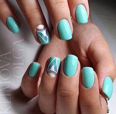 Geometrick mint nails