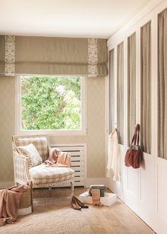 El vestidor. La pareja tiene un dormitorio con baño, vestidor y rincón de estar, al estilo de una manor house (una casa de campo inglesa).
