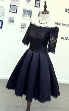 Black Half Sleeves Lace Knee Length A Line Satin Short Homecoming Dress