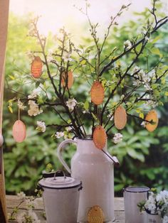 Easter biscuit spring decoration, picture from LandLove magazine (Mar/Apr16)